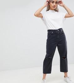 Черные выбеленные джинсы бойфренда с прорехами на коленях ASOS PETITE - Черный