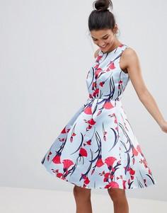 Атласное короткое приталенное платье с цветочным принтом Closet London Premium - Мульти