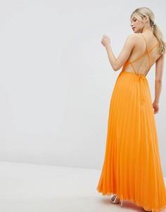 Платье макси на бретелях с плиссировкой и лямками на спине ASOS DESIGN - Оранжевый