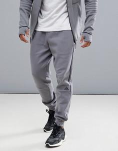Серые джоггеры adidas ZNE Striker CW0867 - Серый