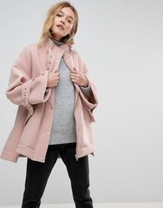 Куртка на подкладке из искусственного меха с металлической фурнитурой ASOS - Розовый
