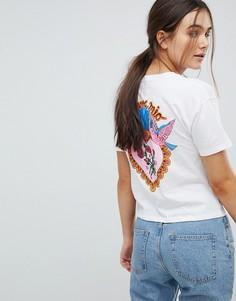 Укороченная футболка с принтом на спине ASOS - Белый