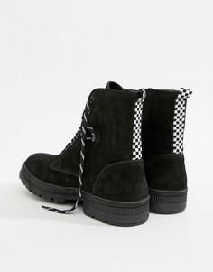 Черные замшевые ботинки на шнуровке с рифленой подошвой ASOS - Черный