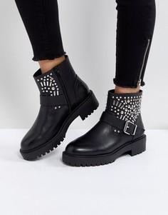 Байкерские ботинки с заклепками ASOS APT - Черный