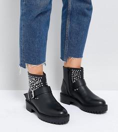 Байкерские ботинки для широкой стопы с заклепками ASOS APT - Черный