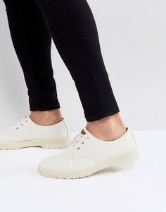Светло-бежевые туфли с 3 парами люверсов Dr.Martens Delray - Бежевый