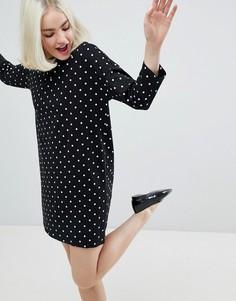 Платье-футболка в горошек Monki - Черный