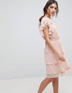 Кружевное короткое приталенное платье с оборками Y.A.S - Розовый