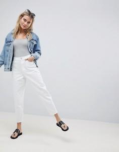 Белые джинсы бойфренда ASOS DESIGN - Белый
