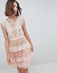 Платье мини с высоким воротом и вышивкой Needle & Thread - Розовый