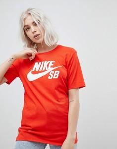 Красная футболка с логотипом Nike SB - Красный