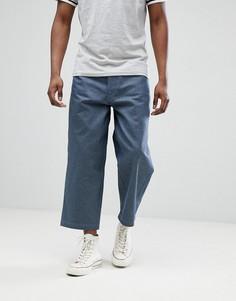 Серые укороченные джинсы с широкими штанинами ASOS DESIGN - Серый