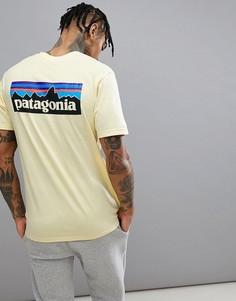 Желтая футболка Patagonia P-6 Responsibili-Tee - Желтый