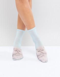 Голубые носки с эффектом омбре и узором в виде кошек Monki - Синий