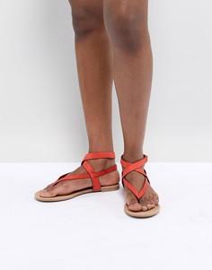 Красные сандалии с завязками Call It Spring - Красный