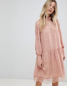 Короткое приталенное платье с кружевом Y.A.S - Розовый