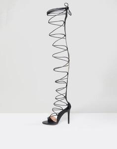 Черные туфли на шнуровке и высоком каблуке Public Desire Kiss - Черный
