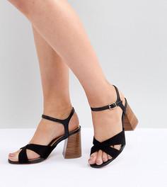 Босоножки на каблуке для широкой стопы с перекрестными ремешками River Island - Черный