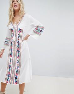 Пляжное платье с вышивкой Liqourish - Белый Liquorish