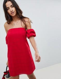 Платье мини с открытыми плечами и вышивкой ришелье ASOS DESIGN Ultimate - Красный