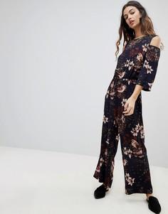 Комбинезон с открытыми плечами и цветочным принтом Y.A.S Ilvaly - Темно-синий