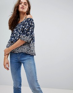 Блузка с открытыми плечами и мелким цветочным принтом Pepe Jeans - Мульти
