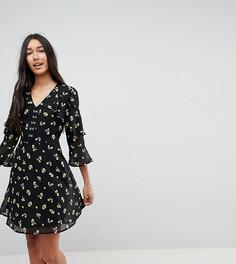 Короткое приталенное платье с цветочным принтом и застежкой на крючки Influence Tall - Черный
