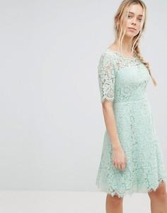 Короткое приталенное платье из кружева Glamorous - Зеленый