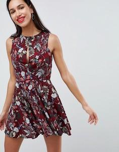 Короткое приталенное платье с принтом Love - Мульти