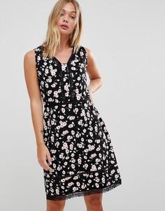 Платье с цветочным принтом и кружевной отделкой Trollied Dolly - Черный