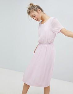Платье миди со сборками Monki - Розовый