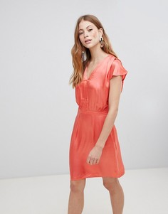 Шелковистое платье с V-образным вырезом Vila - Розовый