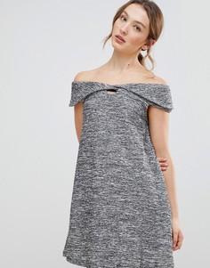 Платье с открытыми плечами See U Soon - Черный