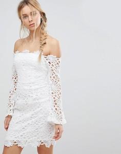 Кружевное платье с открытыми плечами Glamorous - Белый
