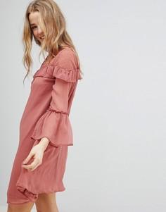 Шифоновое платье с оборками Influence - Розовый
