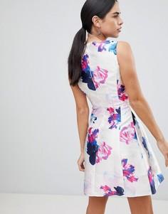 Короткое приталенное платье с цветочным принтом Ax Paris - Мульти