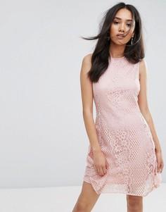 Розовое короткое приталенное платье с кружевом Ax Paris - Розовый