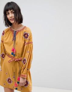 Короткое приталенное платье с длинными рукавами и вышивкой Rd & Koko - Желтый