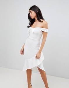 Облегающее платье с оборкой Ax Paris - Кремовый