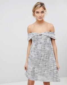 Жаккардовое платье с открытыми плечами See U Soon - Фиолетовый