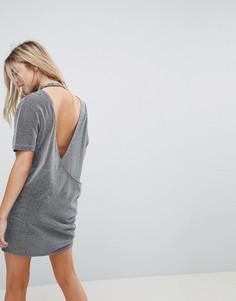 Платье-футболка с открытой спиной и эффектом металлик Uncivilised - Серый