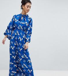 Платье макси с оборками на рукавах и принтом цапли Yumi Petite - Синий