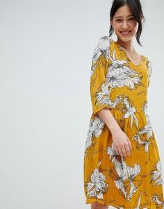 Платье с V-образным вырезом и принтом Ichi - Желтый