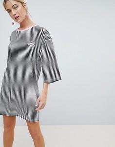 Платье-футболка в полоску с расклешенными рукавами и вышивкой Chorus - Черный