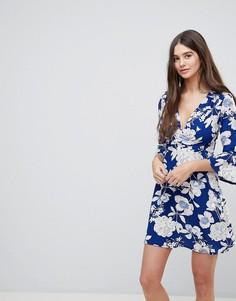 Платье с запахом и рукавами клеш Ax Paris - Синий
