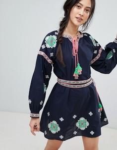 Короткое приталенное платье с длинными рукавами и вышивкой Rd & Koko - Темно-синий