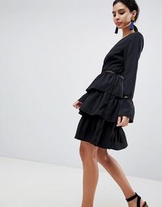 Короткое приталенное платье с ярусной юбкой Liquorish - Черный