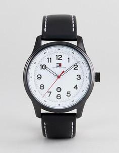 Часы с черным ремешком Tommy Hilfiger - Черный