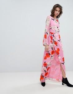 Платье макси с V-образным вырезом на спине и принтом роз Gestuz - Розовый