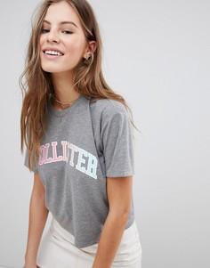 Спортивная укороченная футболка с логотипом и кантом Hollister - Серый